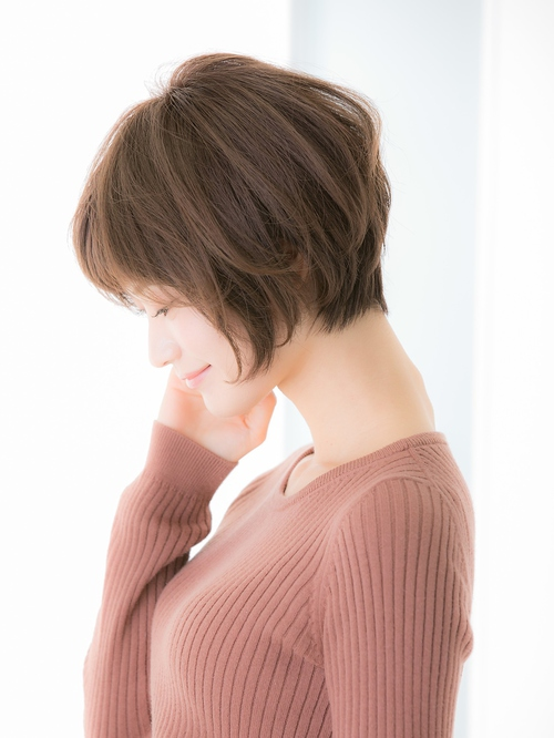 【Euphoria 金沢 】ふんわりカールの小顔ショートボブ♪