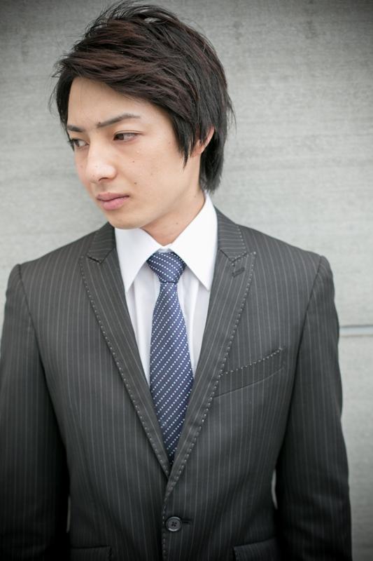 スーツでも似合うショートスタイル