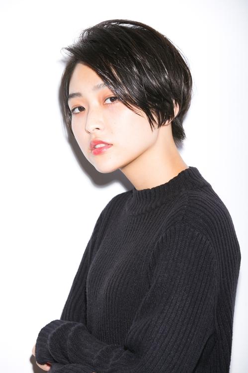 『小顔ショート』前髪長めでクールなハンサムショート☆【仲村】