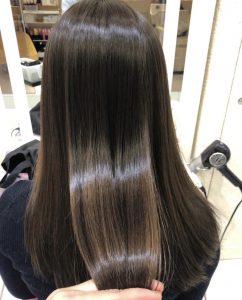 みんなが気になっている髪質改善と縮毛矯正の違いとは、、、(・・?